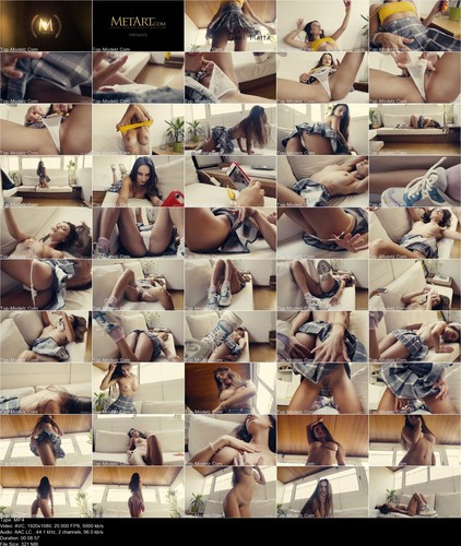 [Met-Art] Gloria Sol - Sending Nudes 7650730935